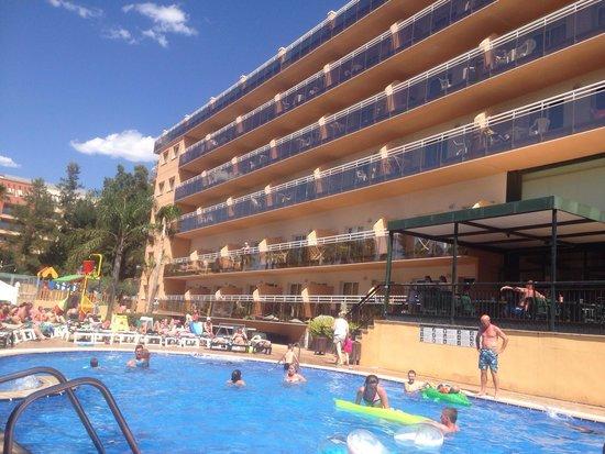 Aparthotel SunClub Salou: Pool area