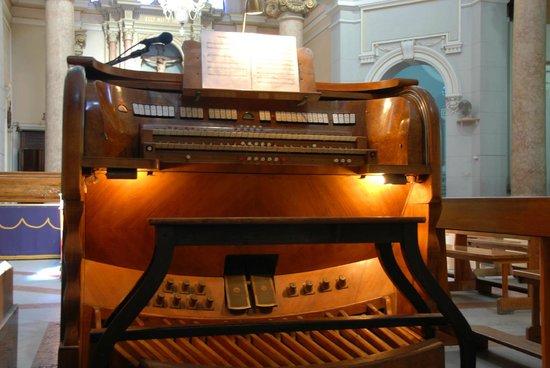Chiesa del Carmine di Messina: Organo Tamburini