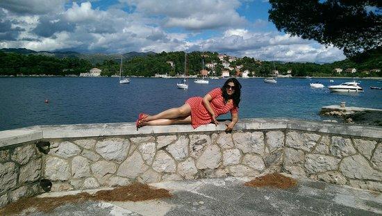 Villa Ruza Old City Bistro: indulgent pose by the walls