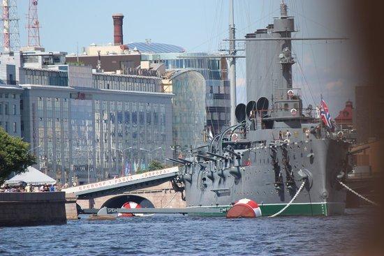 Neva Embankments : navy