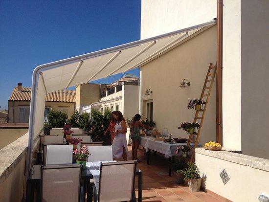 I Santi Coronati B&B Ortigia Suite: Terrasse du petit déjeuner
