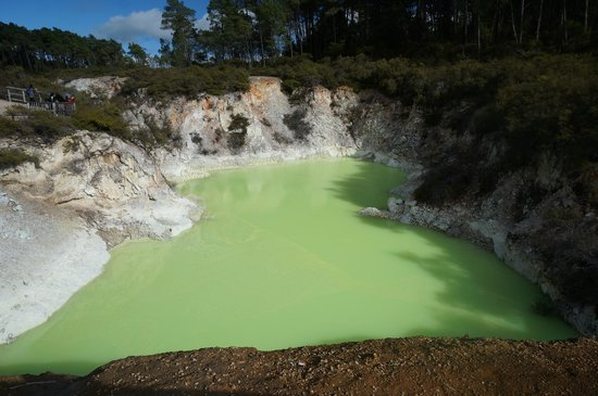 Wai-O-Tapu Thermal Wonderland : devil's bath
