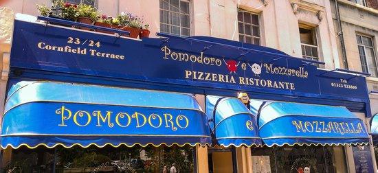 Pomodoro e Mozzarella: Impressive Frontage!