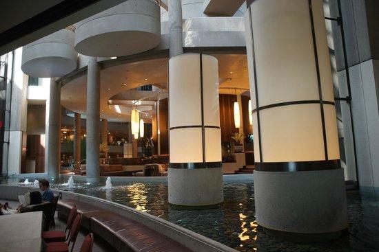 The Westin Bonaventure Hotel & Suites: Lobby / Empfangsbereich