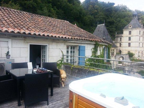 Le Moulin de l'Abbaye: Brantôme chambre N°7 et terrasse