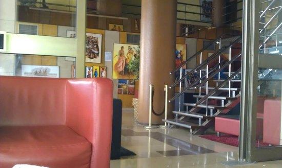 Tivoli Hotel: The hotel entrance