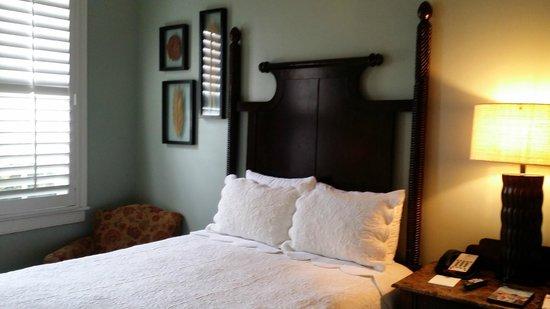 Andrew Pinckney Inn: Standard Double Room w/ 2 Double Beds