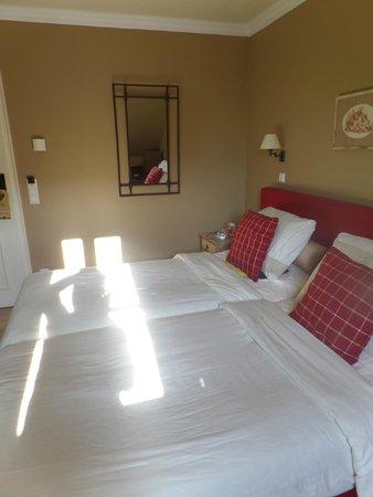 Château d'Urspelt : Ruime kamer met goede bedden
