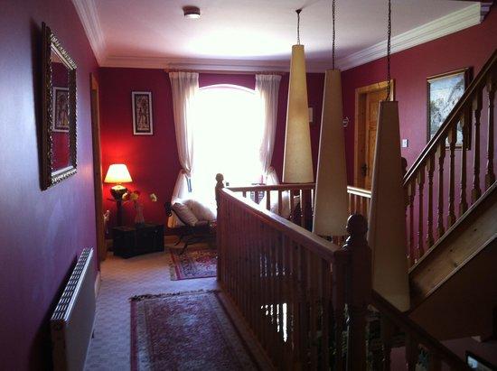 Newlands Lodge: Upstairs hallway
