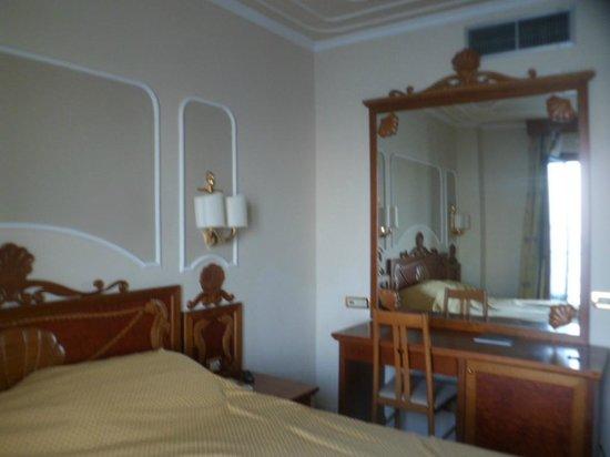 Mar Hotel Alimuri: Bedroom