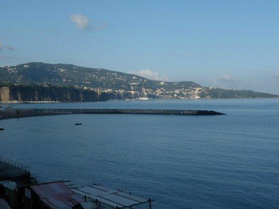 Mar Hotel Alimuri: View to Sorrento from balcony