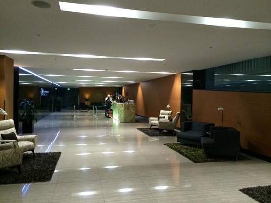 Meriton Suites Campbell Street, Sydney: Reception / Entrance Hall