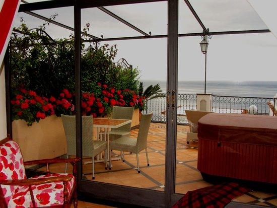 Albergo Punta Regina : 2nd Floor Room with Terrace Overlooking the Sea