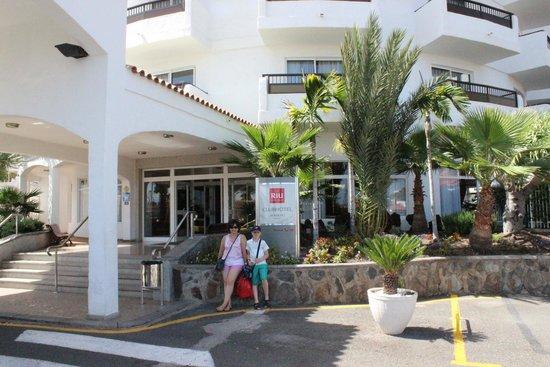 Hotel Servatur Waikiki : Entrada hotel
