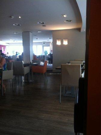 Novotel Luxembourg Kirchberg : Breakfast venue
