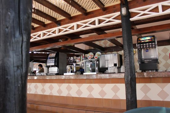 Hotel Servatur Waikiki: Bar piscina