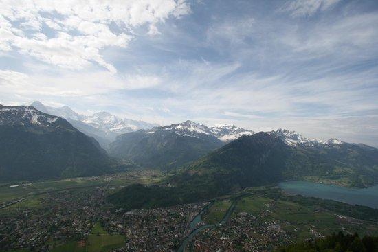 Harder Kulm: Ausblick auf das Bödeli und den Thunersee