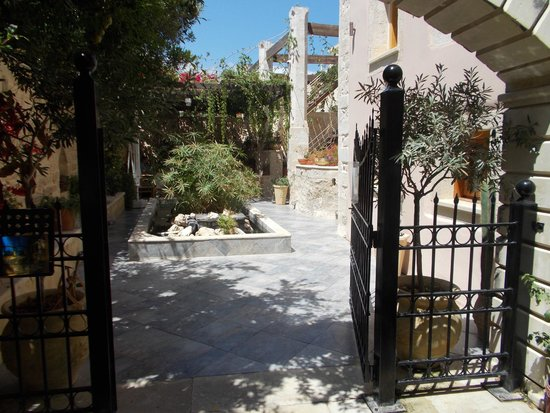 Casa Vitae Hotel : hotel's garden