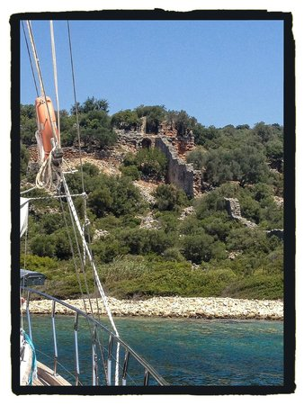 Boat Trips by Captain Ergun : Ruin from the boat at Kekova