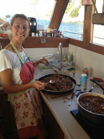 Boat Trips by Captain Ergun: Merve cooking Turkish stuffed eggplant