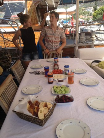 Boat Trips by Captain Ergun : Before our first breakfast on the boat