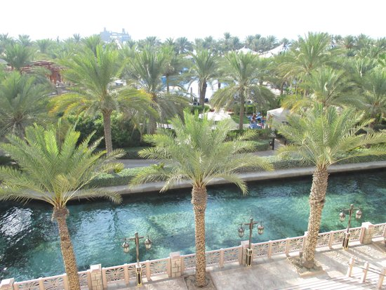 Jumeirah Dar Al Masyaf at Madinat Jumeirah: View from the 24 hr Breakfast Room to the pool and ocean beyond
