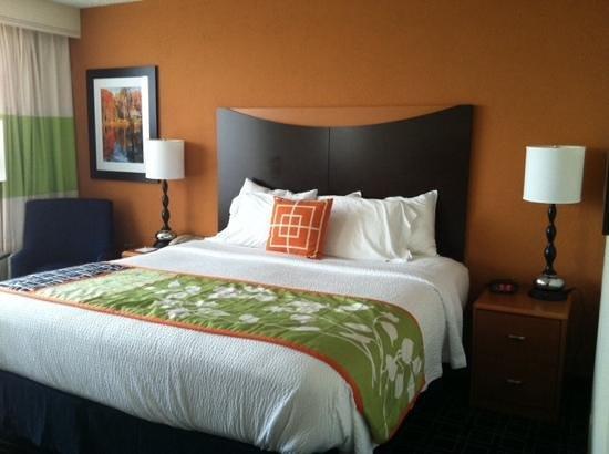 Fairfield Inn by Marriott Bangor : comfortable bed