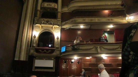 Opéra Théâtre d'Avignon : Balcões do theatro