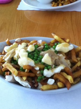 Williams Family Diner : Chicken poutine
