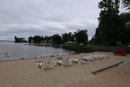 Sunset Inn on the Park : Stranden og bugten