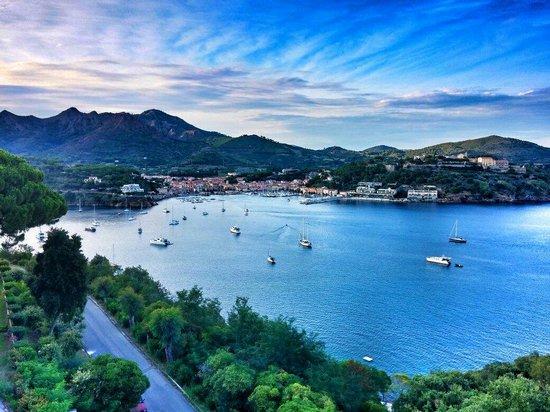 Grand Hotel Elba International: Vista dalla terrazza panoramica...