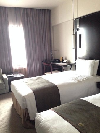 The Royal Park Hotel Kyoto Sanjo: Deluxe twin room on 7th floor