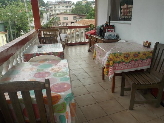 Rosa's Hotel: guest breakfast and relazing area