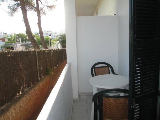 Gavimar Ariel Chico Club Resort : Balcony area