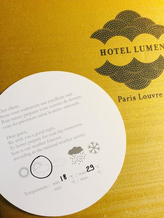 Hotel Lumen Paris Louvre : Helpful daily weather updates.