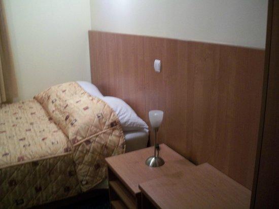 Alexander Hotel: Cama