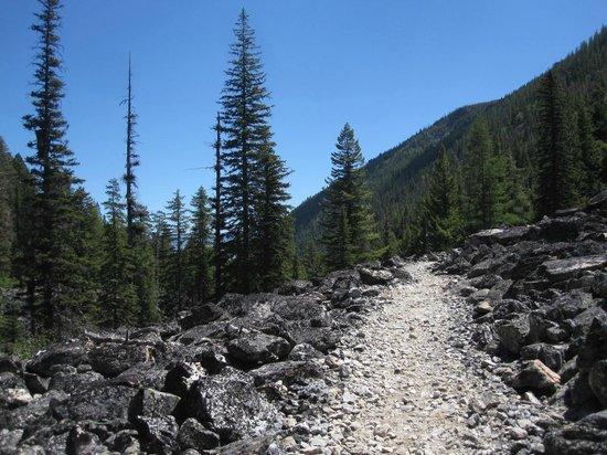 Bear Creek Trailhead: Rocky and open part of the Bear Creek Trail