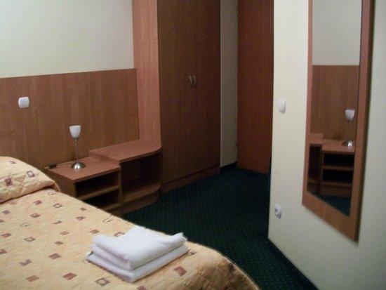 Alexander Hotel: Armario