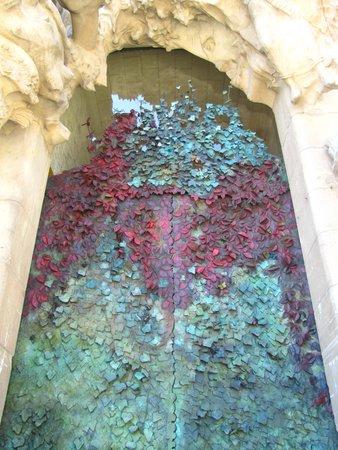 Sagrada Família : One the latest doors