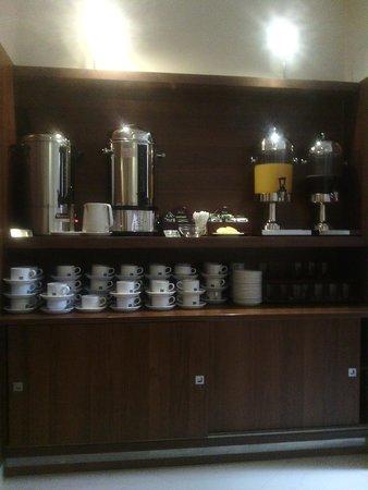 Alexander Hotel: Desayuno