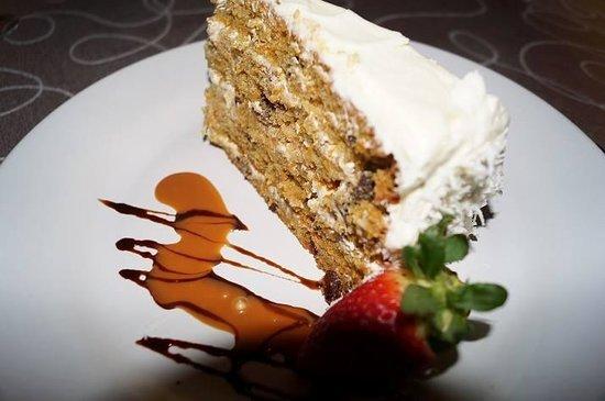 Bravos Restaurant Bar: Famous Carrot Cake