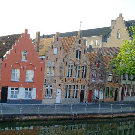 Hotel Ter Duinen: chambre sur canal