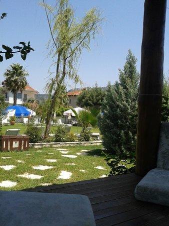 Crescent Hasirci Hotel: More garden