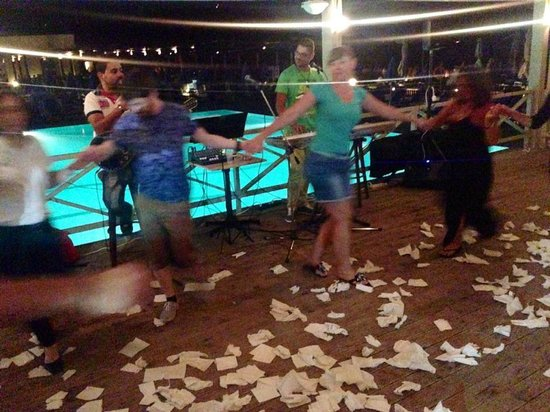 Arina Sand Resort: Best 15 euro you'll spend (Greek Night BBQ)!