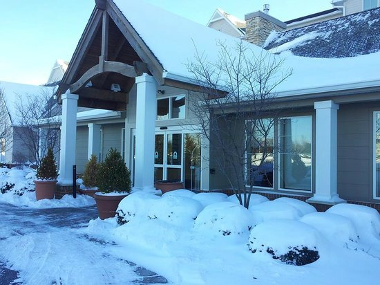 Residence Inn Toledo Maumee: front door of the Hotel