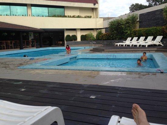 The Heritage Hotel Manila: The hotel pool