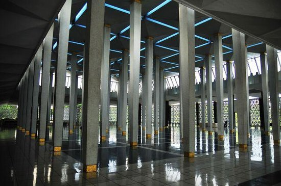 National Mosque (Masjid Negara) : マスジット・ネガラ