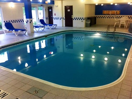 Fairfield Inn Philadelphia Airport : The beautiful indoor pool