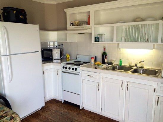 Driftwood Inn Kitchen Cottage 4