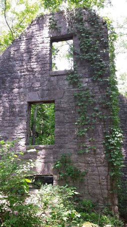 Mountain View, AR: What is left of the Old mitchell mill